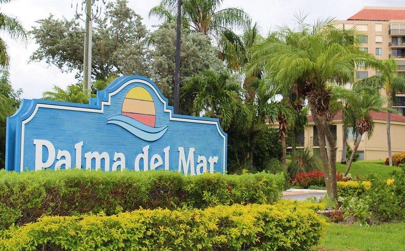 NEWLY RENOVATED - Modern Waterfront Condo, Isla del Sol, alquiler vacacional en Tierra Verde