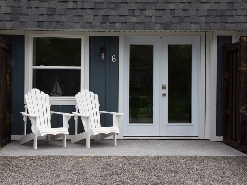 My Lighthouse Cottages #6, holiday rental in Haldimand