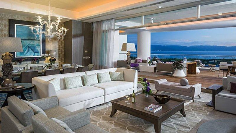 GRAND LUXXE - THE RESIDENCE FOUR BEDROOM TOWER, location de vacances à Jarretaderas