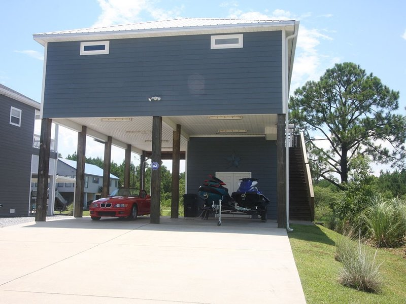 Fish, Play, Relax . Entertain, Charming 3 Bedrm/2 1/2Ba,  on the water. – semesterbostad i Waveland