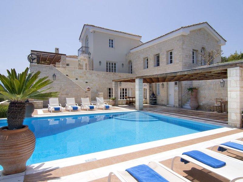 Magnificent Elounda Private Seaside Estate, holiday rental in Ellinika