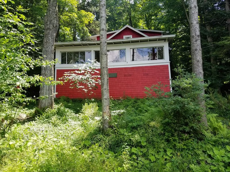 Seasonal  3 bedroom camp, with private dock,  cable tv, propane grill, vacation rental in Stratford