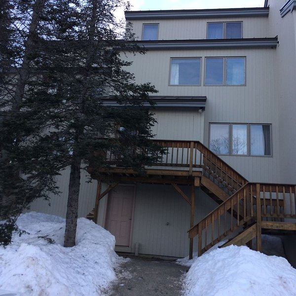 Great location - 3 bd, 2 bath Condo, Close to Trails & Village, holiday rental in Kingfield