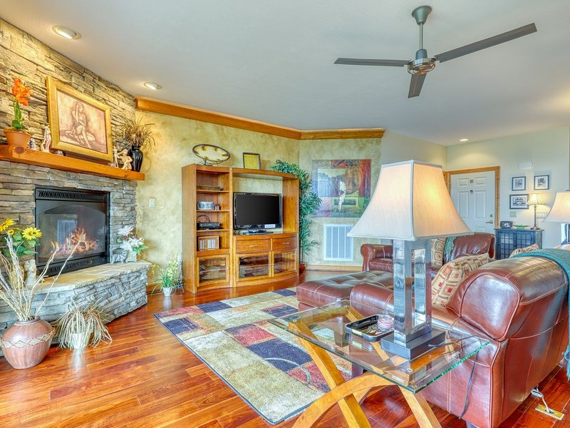 End unit condo w/ direct access to Beech Mountain ski slope, aluguéis de temporada em Sugar Mountain