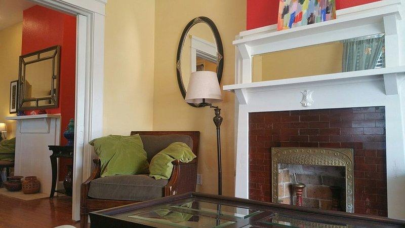 NOLA Apartment- 2Bedroom, holiday rental in Metairie