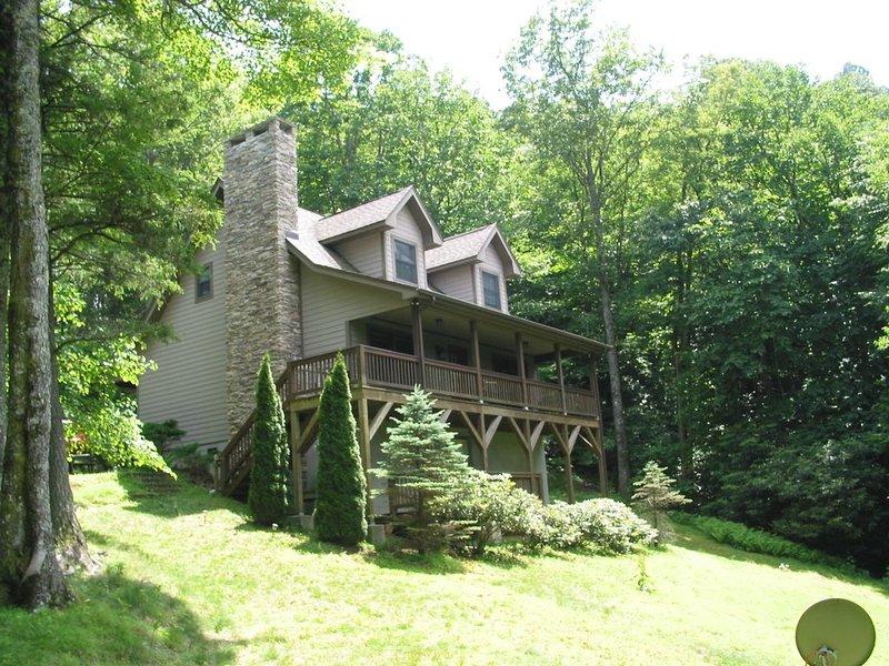 Private Mountain Cabin 3 miles south Blowing Rock, alquiler de vacaciones en Lenoir