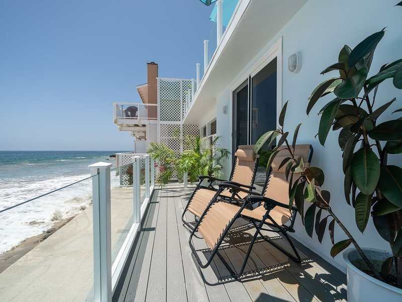 Stunning OceanFront 1 Bedroom Malibu Condo, holiday rental in Malibu