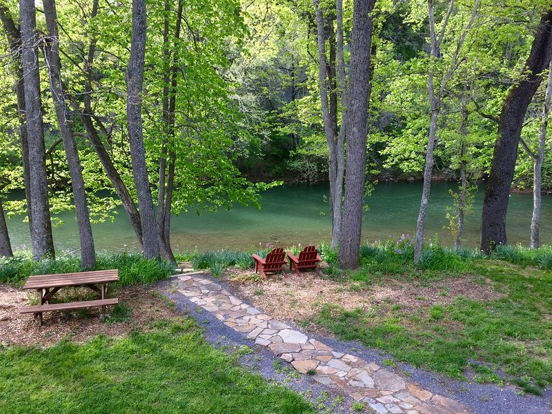 Relax at the River House, holiday rental in Natural Bridge Station