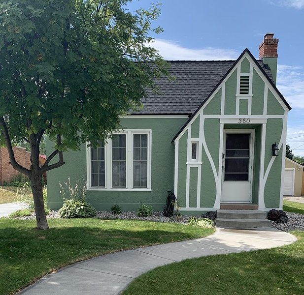 Charming Idaho Falls Cottage, holiday rental in Ririe