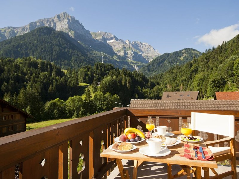Beautiful and luxurious Chalet in Champery, Portes Du Soleil, Swiss Alps, holiday rental in Salvan
