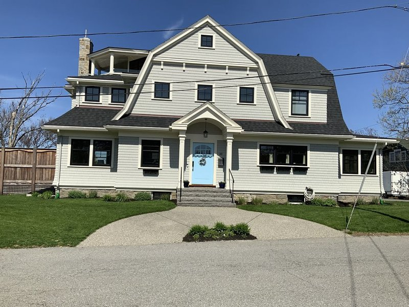 Rockport, MA 3 BR 2017 Old Garden Beach Home with gorgeous views and hot tub, location de vacances à Rockport