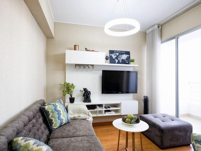 Nuevo 3Bdrm con Gimnasio y Piscina - UR Place Rentals, holiday rental in Jesus Maria