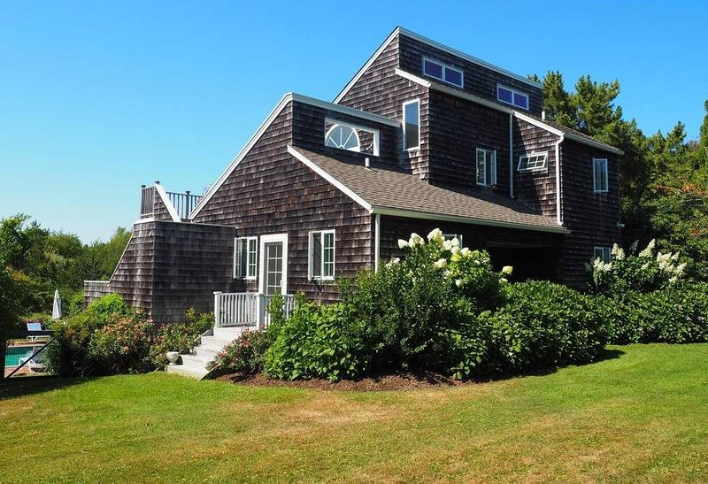 Water Mill Heart of the Hamptons with Pool - 5 Minutes to Ocean Beaches, aluguéis de temporada em Water Mill