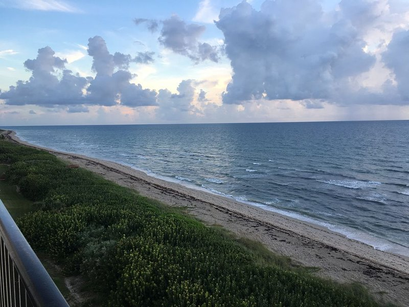 Awesome view,Breathtaking! Free WiFi, holiday rental in Hutchinson Beach