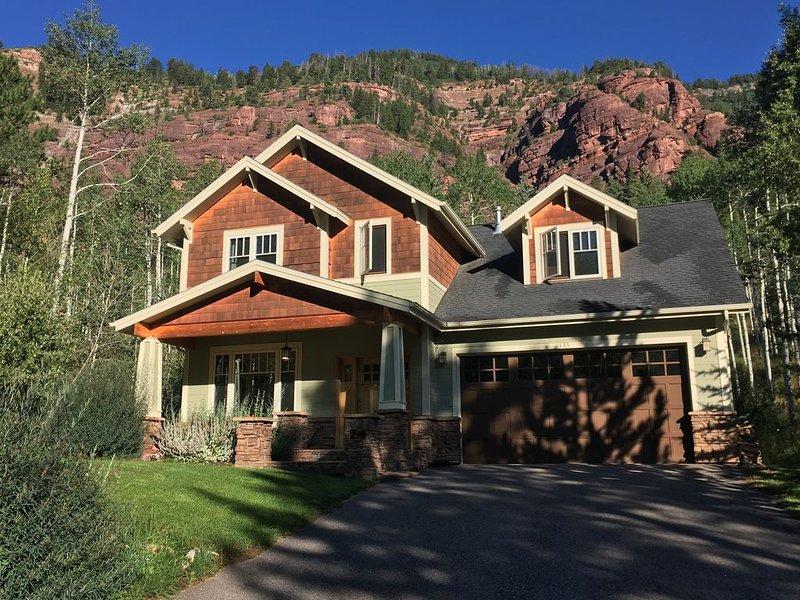 Minimum 30 Day rental 3 bedroom home in beautiful Redstone, Co, vacation rental in Redstone