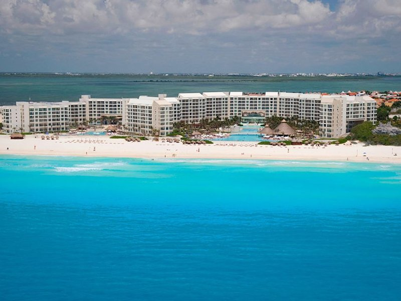 Spacious two bedroom at Westin Lagunamar. Reserve now with licensed brokers!, vacation rental in Cancun