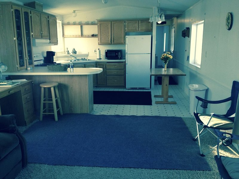 NICE MOBILE HOME NEAR SAN RAFAEL SWELL/LOCATED ON A PRIVATE RANCH, location de vacances à Ferron