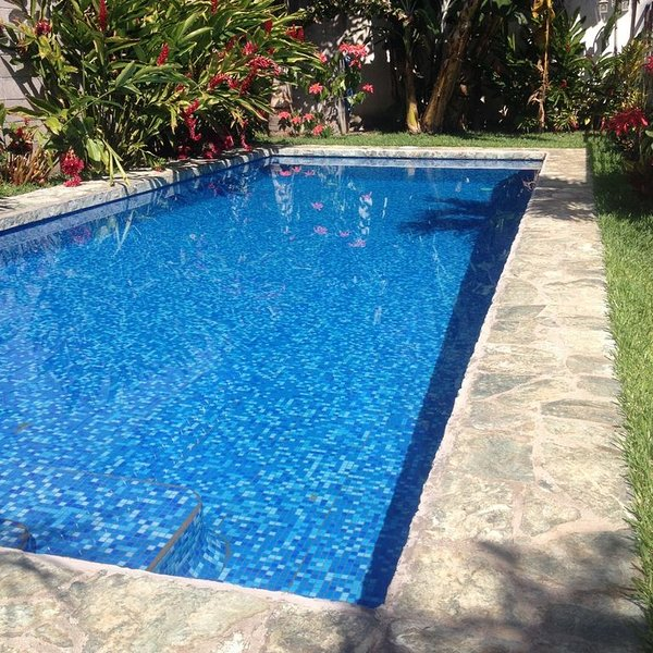 VILLA AZTECA A CONTEMPORARY HOME IN SANTA ANA, holiday rental in Ahuachapan Department