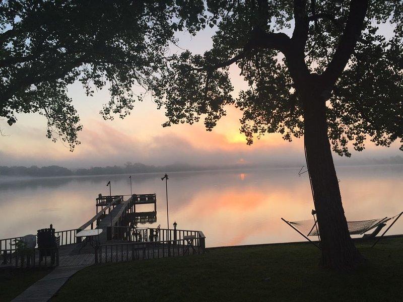 Lakefront Weatherford Retreat, location de vacances à Springtown