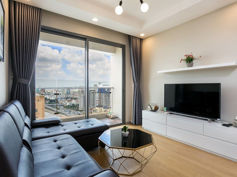 Brand New Luxury 2BR Apt, Infinity Pool, 5 mins to City Center, vacation rental in Dong Nai Province