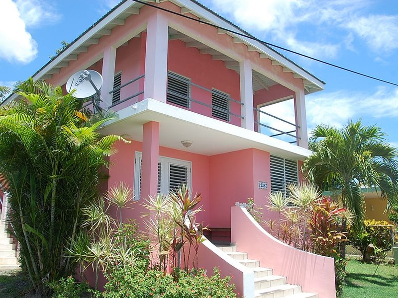 The Pink House - Loft for Two-Private, Walkable to Restaurants and the Beach, vacation rental in Isla de Vieques