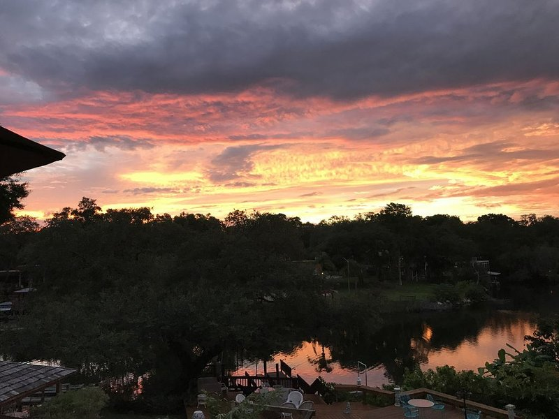 Seminole Heights River Retreat - Centrally located, holiday rental in Carrollwood
