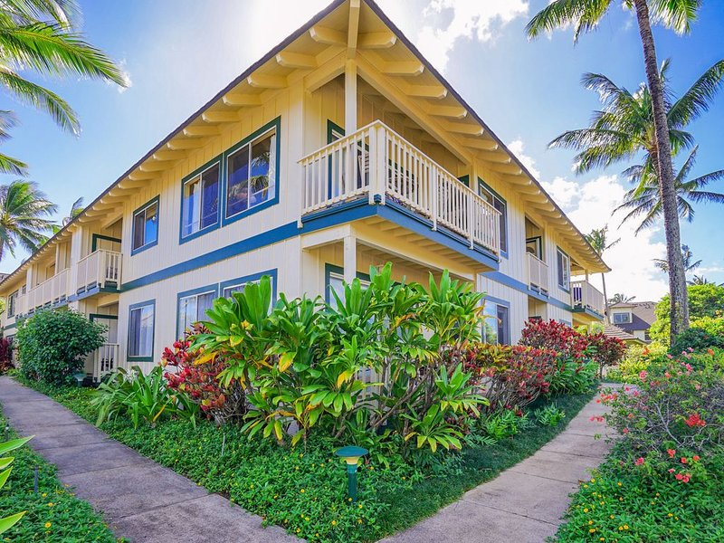 Mountain view condo w/ shared pool, tennis - walk to beach, holiday rental in Poipu