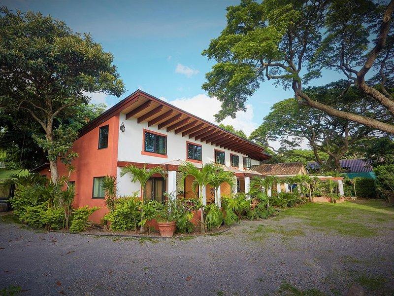 Honolulu 2 bedroom Cottage, alquiler de vacaciones en Aiea