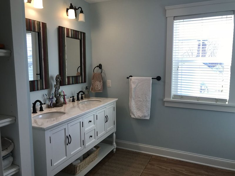 Luxury Family Retreat, vacation rental in Huron