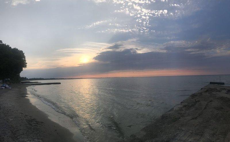 Couchers de soleil sur le lac Érié !!