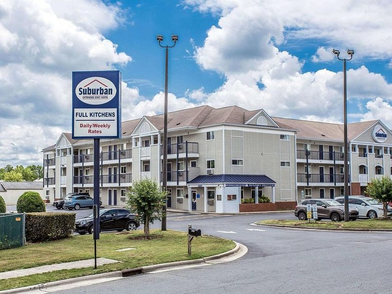 Suburban extended stay hotel, holiday rental in Matthews