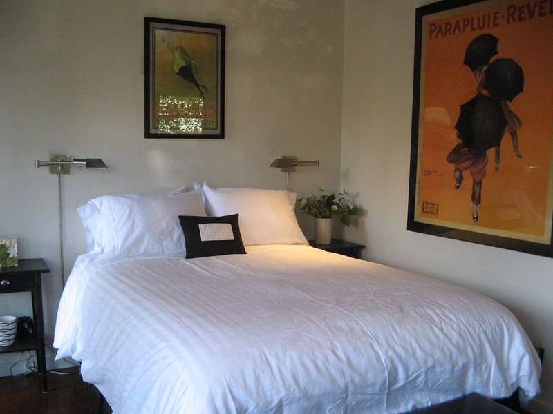 Prime Downtown Napa Charmer- Private large Studio, holiday rental in American Canyon