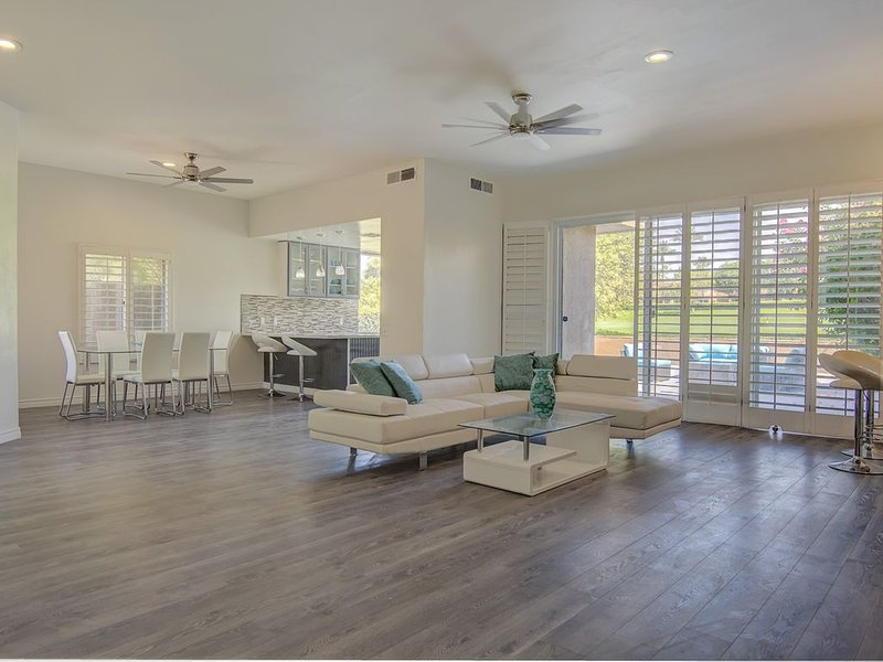 Beautiful Home with Golf Course View, holiday rental in Thousand Palms
