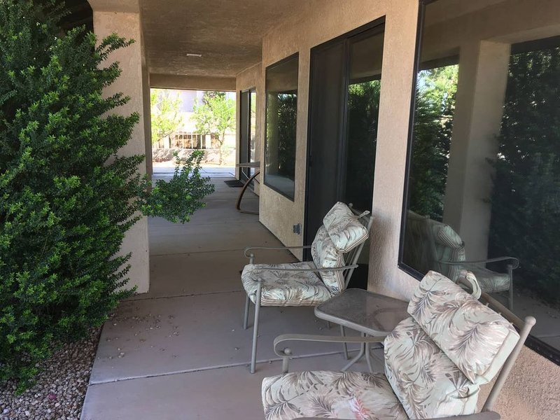 Beautiful roomy home in the desert, holiday rental in Bullhead City