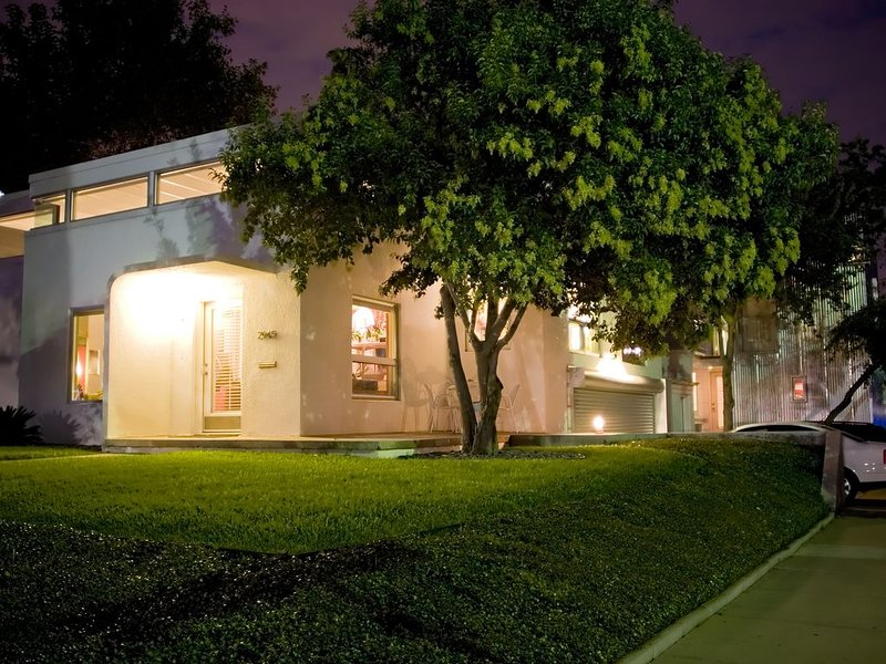 Fort Worth TCU Art House, vacation rental in Fort Worth