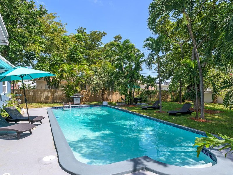 Tropical House 3 Bedrooms with Pool in Oakland Park, casa vacanza a Oakland Park