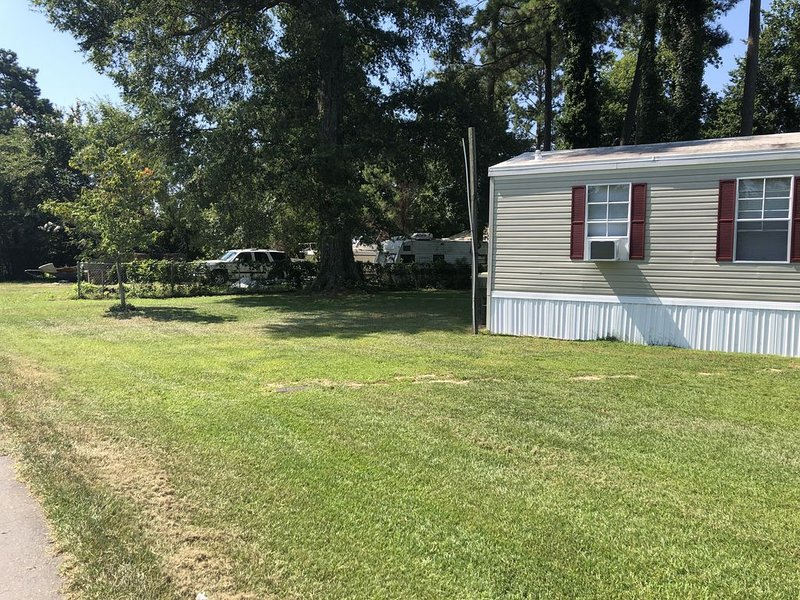 Near the water  and close to a  boat ramp, vacation rental in Edenton