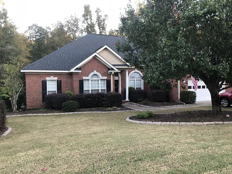 Great 4 Bedroom Home Ideal for Masters Rental- 11 miles from Augusta National, holiday rental in Evans