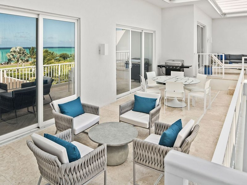Ocean Terraces - Penthouses, 3 bed/3.5 bath units, holiday rental in Coral Harbour