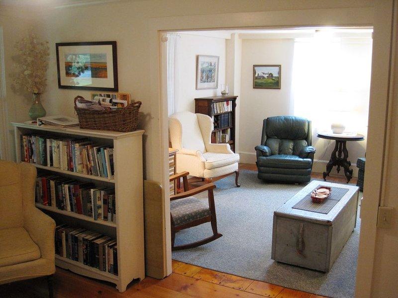 Charming, bright sitting room.