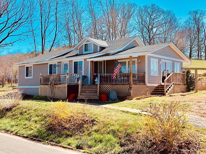 Mountain House in Asheville/Candler, holiday rental in Candler