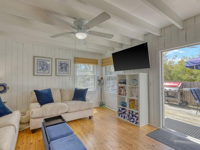 Dog-friendly apartment in Ocean Bay Park - walk to the beach/entertainment!, holiday rental in Fire Island Pines