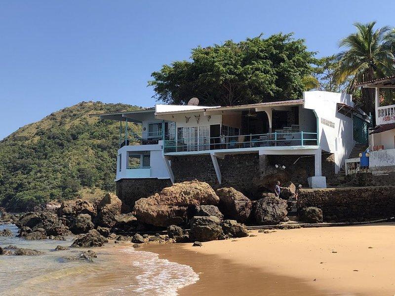 Taboga Island Beach House, holiday rental in Panama Province