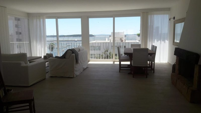Location, location! Península of Punta del Este! 2 to 6 guests/2 a 6 personas!, holiday rental in Maldonado Department
