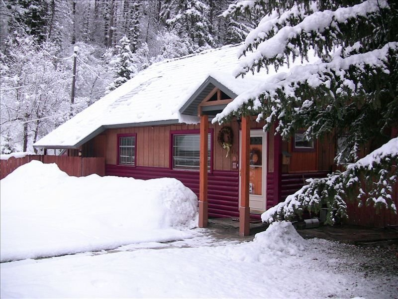 Snow Basin, New Moon Lodge, a Rustic Jewel in the Mountains, holiday rental in Uintah