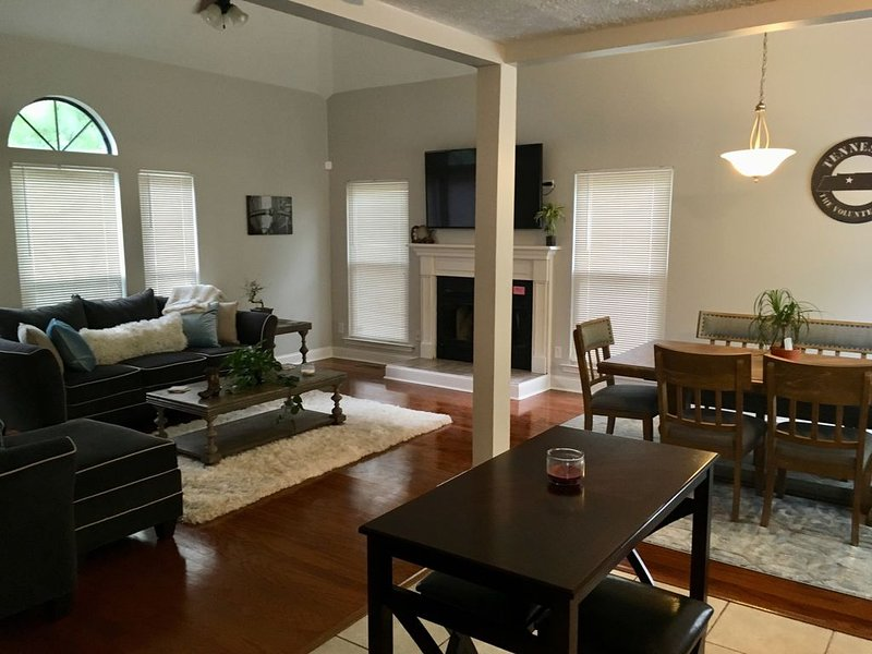 right at home in Nashville, holiday rental in Gladeville