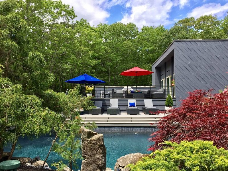 Hamptons retreat with pool & tennis, holiday rental in Westhampton