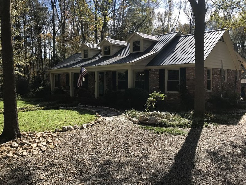 *MASTERS RENTAL* PRIME LOCATION, holiday rental in Graniteville