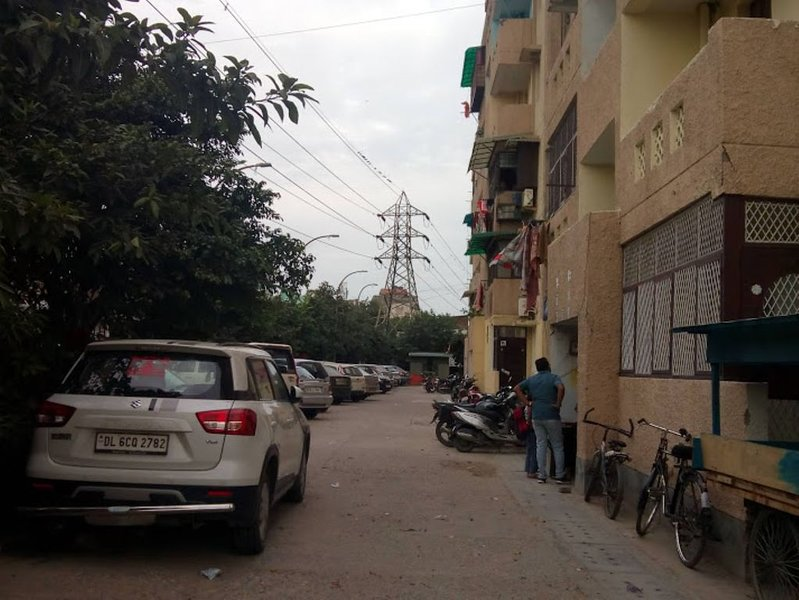 DDA Appartment With Parking, vacation rental in Janakpuri