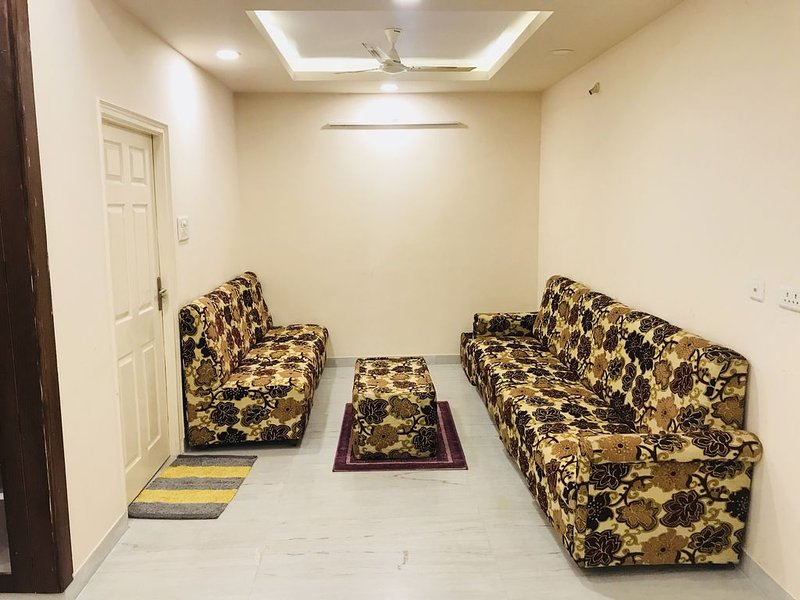 V.K.S SERVICE APARTMENT, holiday rental in Hyderabad